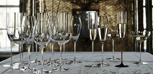 什么样的葡萄酒杯适合品鉴?