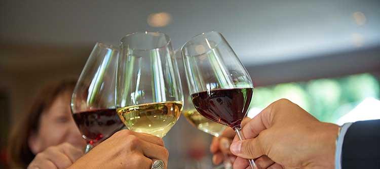 葡萄酒调制机——比侍酒师更懂你