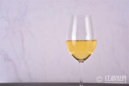 是时候尝试一下西班牙的白葡萄酒了
