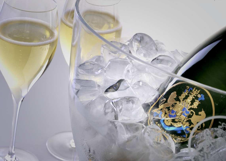 喝香檳,你是否選對酒杯?
