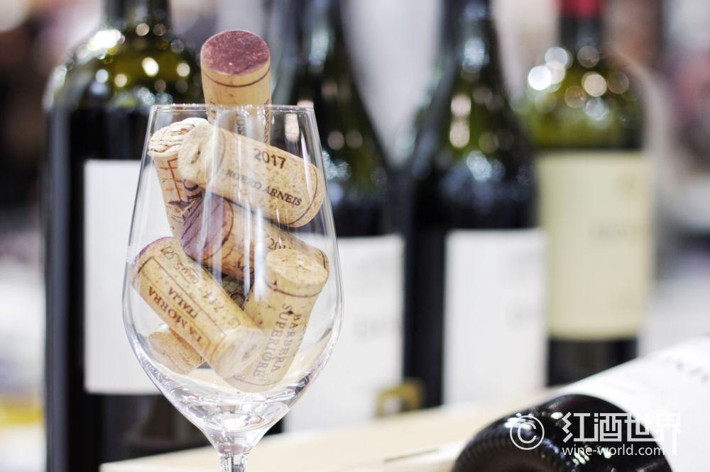 储存与侍酒   一句话一个葡萄酒知识
