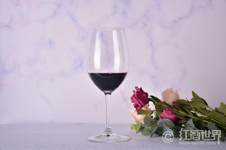 风中的甜红葡萄酒——意大利雷乔多