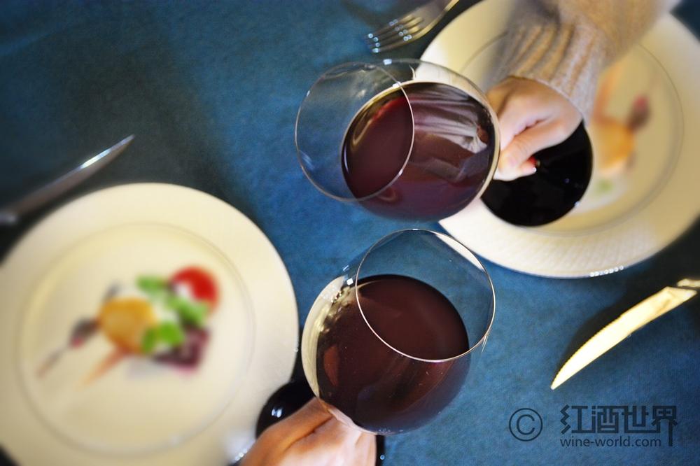 一文速览葡萄酒的三类香气