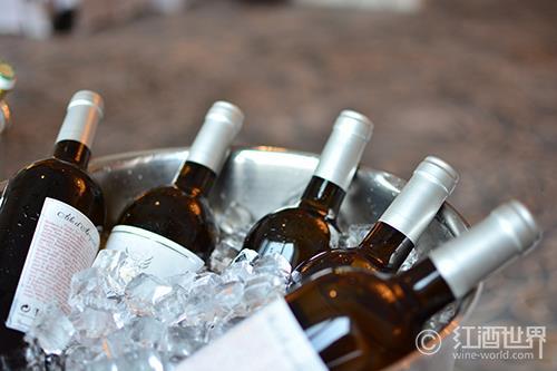 红葡萄酒也可以冰一冰再喝