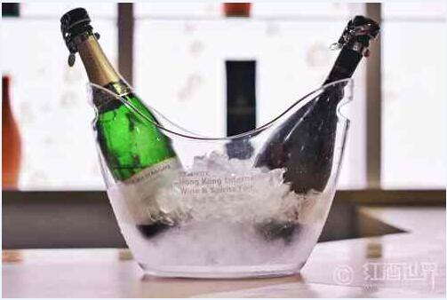 如何品尝起泡葡萄酒?