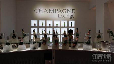 弗朗齐亚柯达起泡酒VS法国香槟