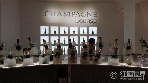 大牌香槟:值得享用的节日酒品