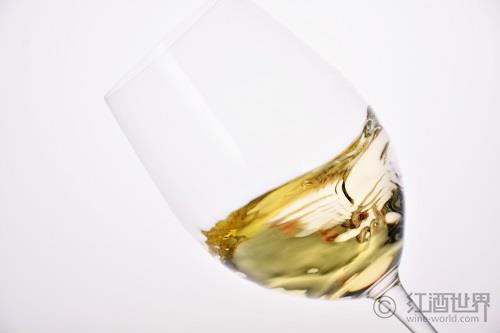 人品酒 鱼配酒:什么葡萄酒适合为三文鱼佐餐