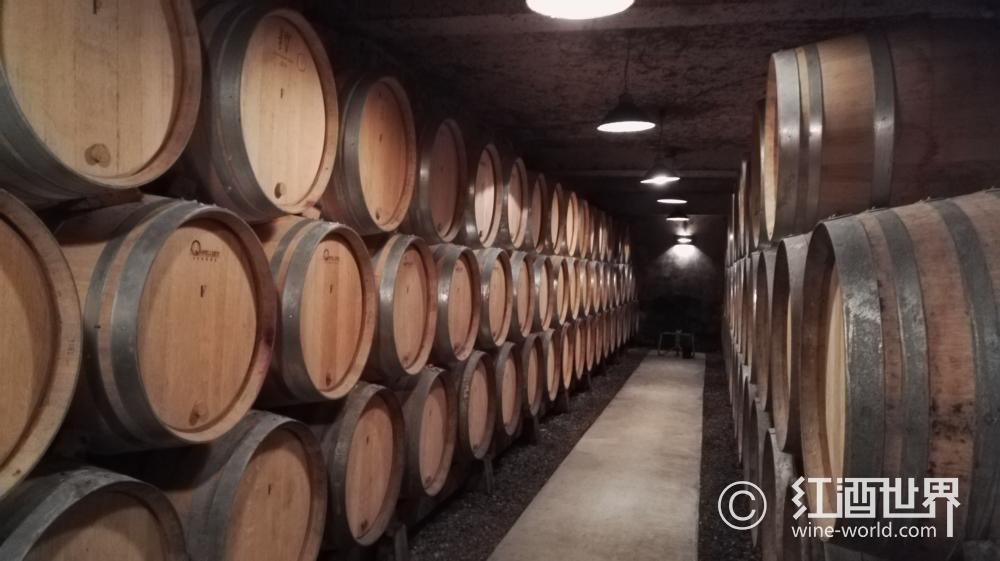 陈年能给葡萄酒带来哪些香气和风味?