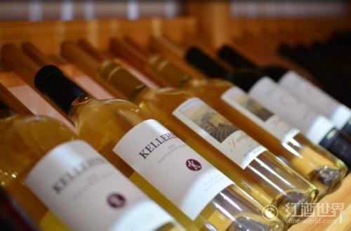 佳士得将拍卖酒龄逾240年汝拉黄酒