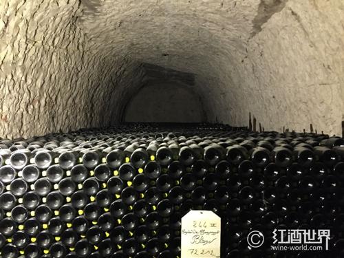 香檳轉瓶的秘密