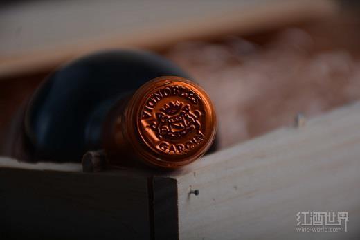 进口葡萄酒量涨价跌,张裕中粮海外寻契机