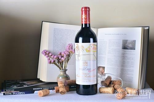 木桐酒庄公布2011年葡萄酒酒标
