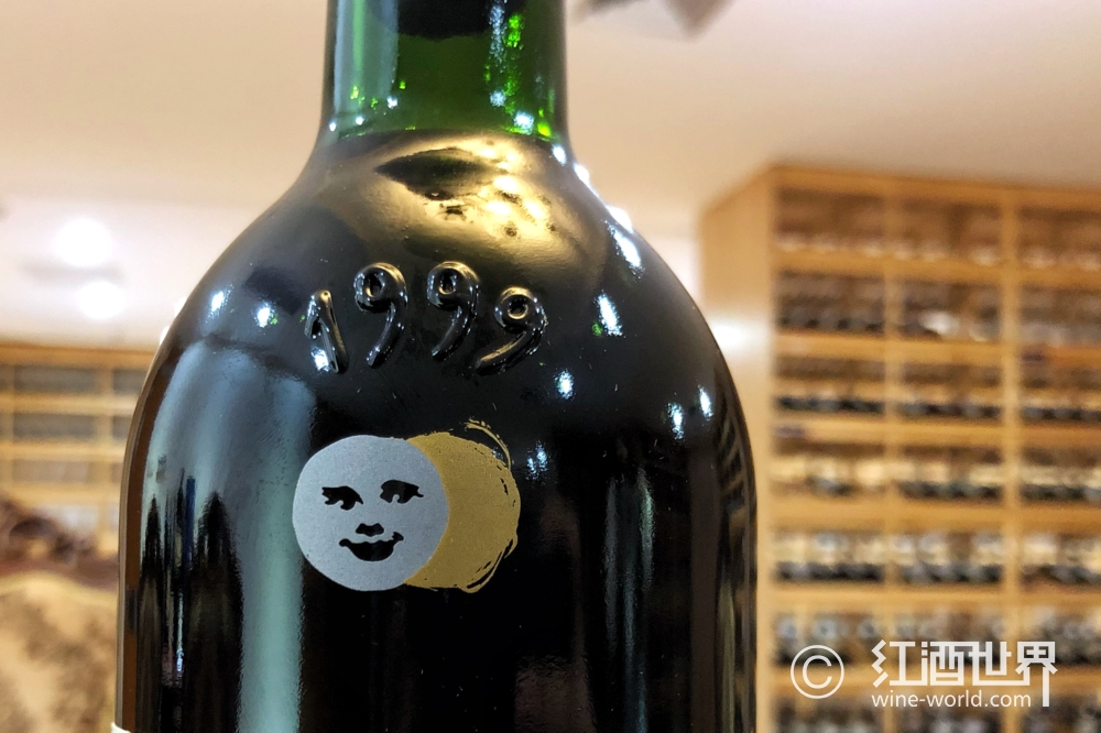 那些你不可不知的拉菲酒瓶