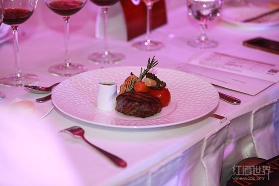 适合与马尔贝克葡萄酒佐餐的5类美食