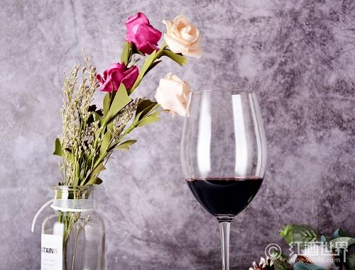 红葡萄酒的8个健康功效,你还不知道吗?