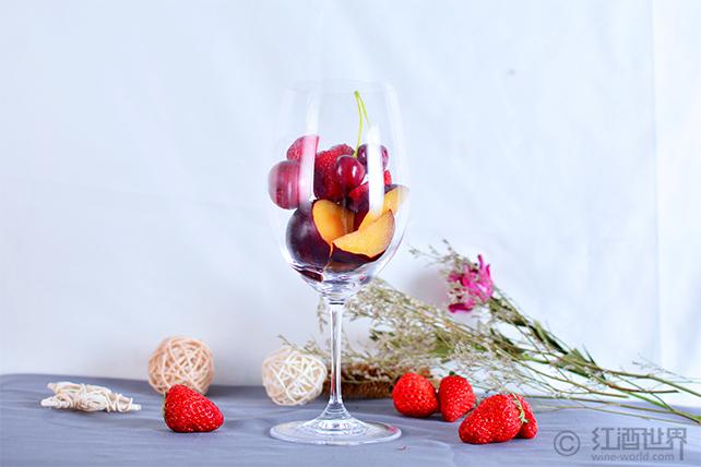 炎夏来袭,如何挑选和饮用红葡萄酒?