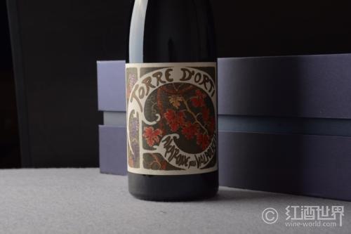 鼻尖之旅:那些带有黑醋栗、紫罗兰香气的葡萄酒