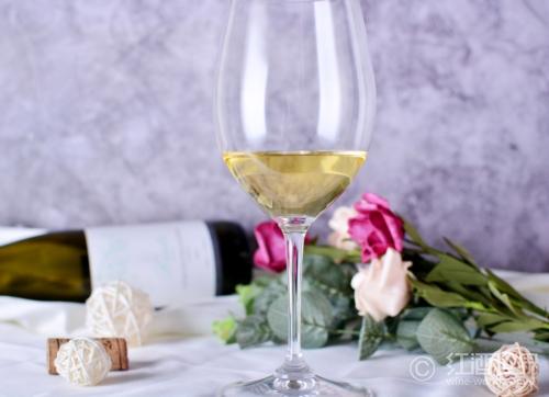 """""""酒色""""之徒:看透白葡萄酒的色相"""