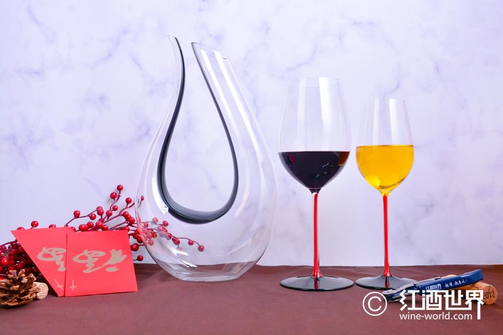 屠呦呦发现的青蒿素vs红酒中的白藜芦醇,有何异同?