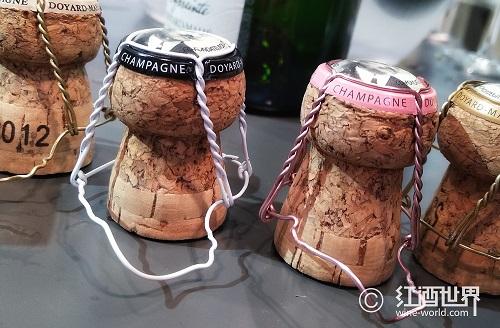 蘑菇状的香槟瓶塞,藏着哪些小秘密?
