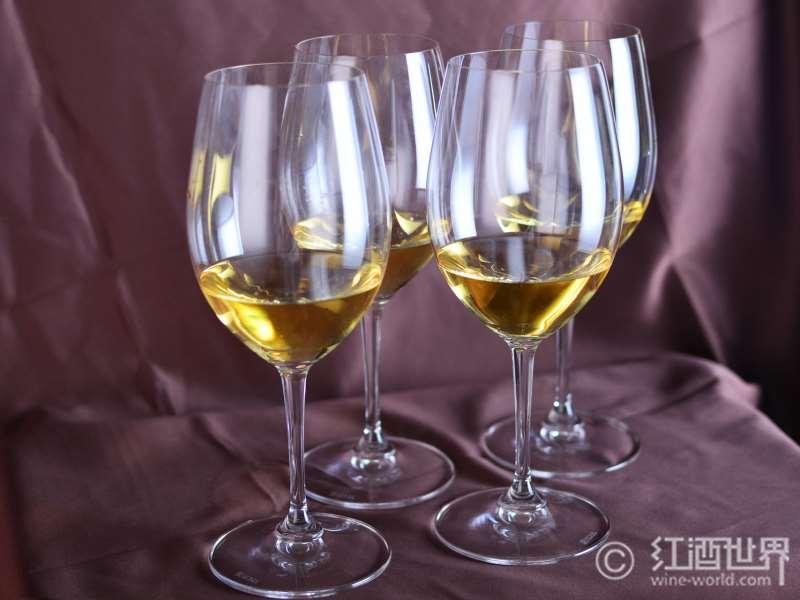 白葡萄酒是如何酿成的