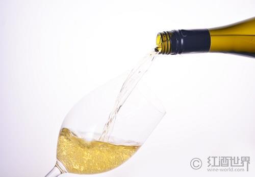 """葡萄酒中的""""小清新"""":干白和半干白"""
