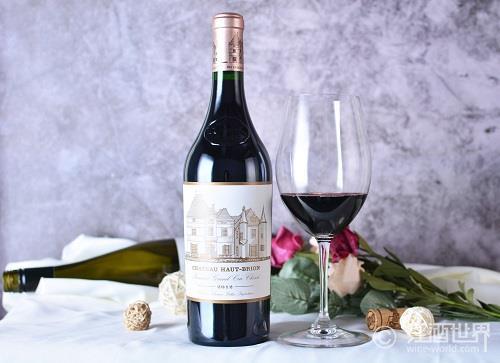 摄入白藜芦醇,是吃药好,还是喝点葡萄酒好?