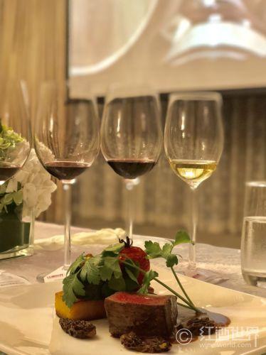 與情侶約會應如何挑選葡萄酒