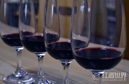 萨克拉河岸的葡萄酒