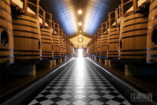 法国酒商采用科技手段释放葡萄酒风味