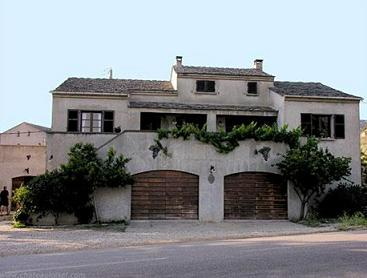 安图尼酒庄(Domaine Antoine Arena)
