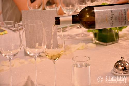葡萄酒礼仪之斟酒
