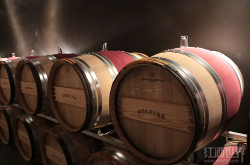 装瓶前,葡萄酒们都待在哪里?