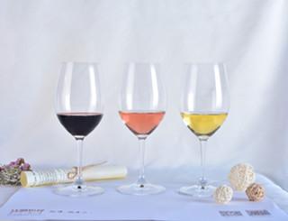 葡萄酒有不同颜色的原因是什么?