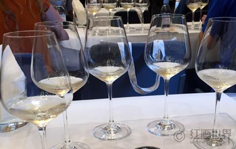 那些一喝就开心的葡萄酒