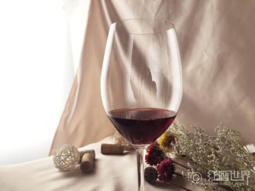 走亲访友必备:系统的葡萄酒品鉴方法