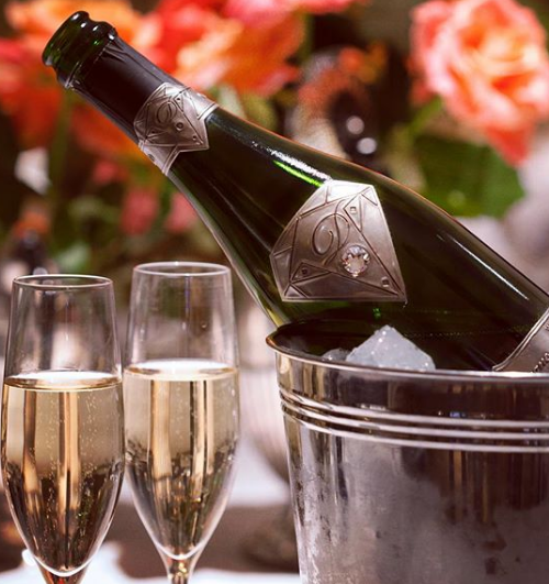 世界上最奢华的香槟:酒瓶耗资120万英镑