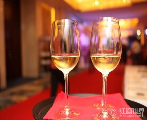 一张图揭示喝酒过多对身体的影响