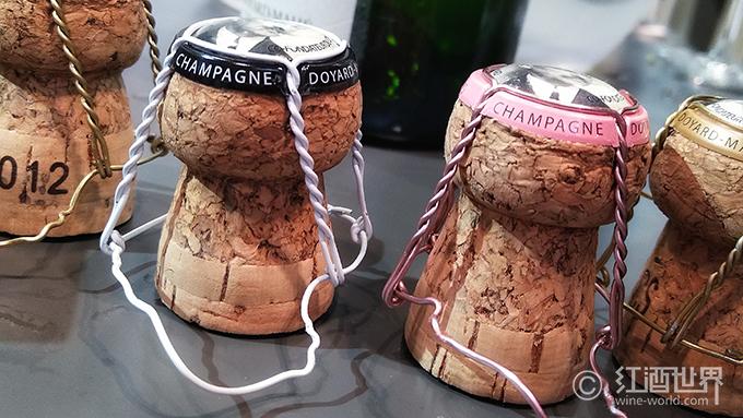 香槟的保质期和最佳保存方法