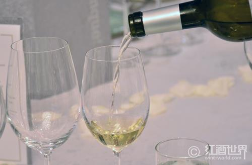 你的白葡萄酒是否冰镇过度了?