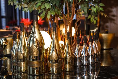 明星跨界投资酒庄是空有噱头,还是名符其实?