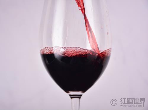 """""""苦""""味的葡萄酒坏了吗?"""