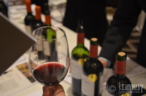 红葡萄酒这样冰镇才是可取的