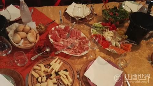 """与波尔多葡萄酒""""心心相印""""的美食"""
