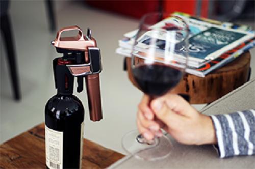 取酒神器Coravin:不开瓶塞也能喝葡萄酒