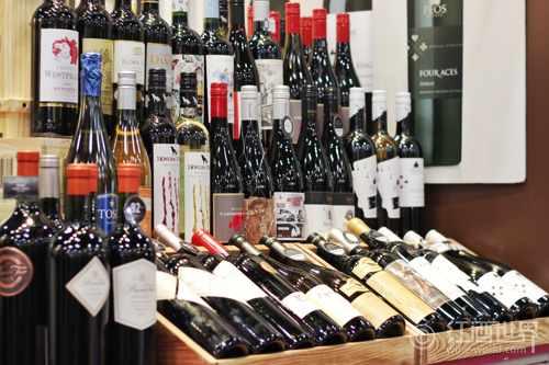 葡萄酒大师帕克宣布退出期酒界