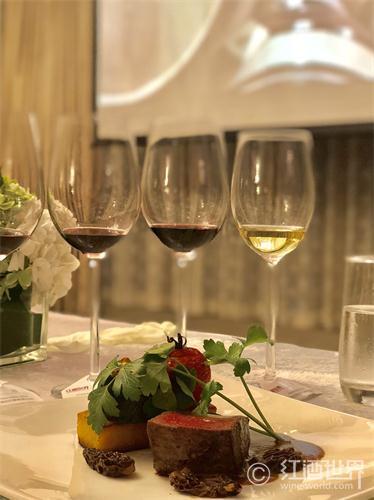 美酒和美食的搭配原理