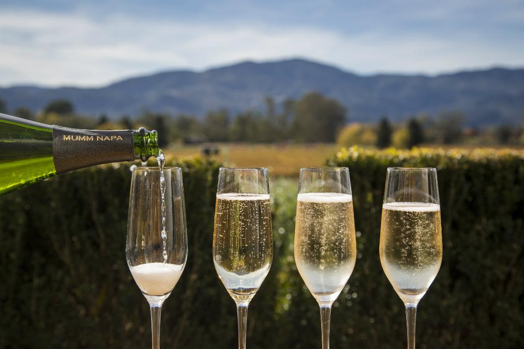 歡慶時刻,怎能不識品香檳?