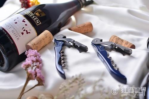 酒刀之王:用作法国国礼的拉吉奥乐酒刀